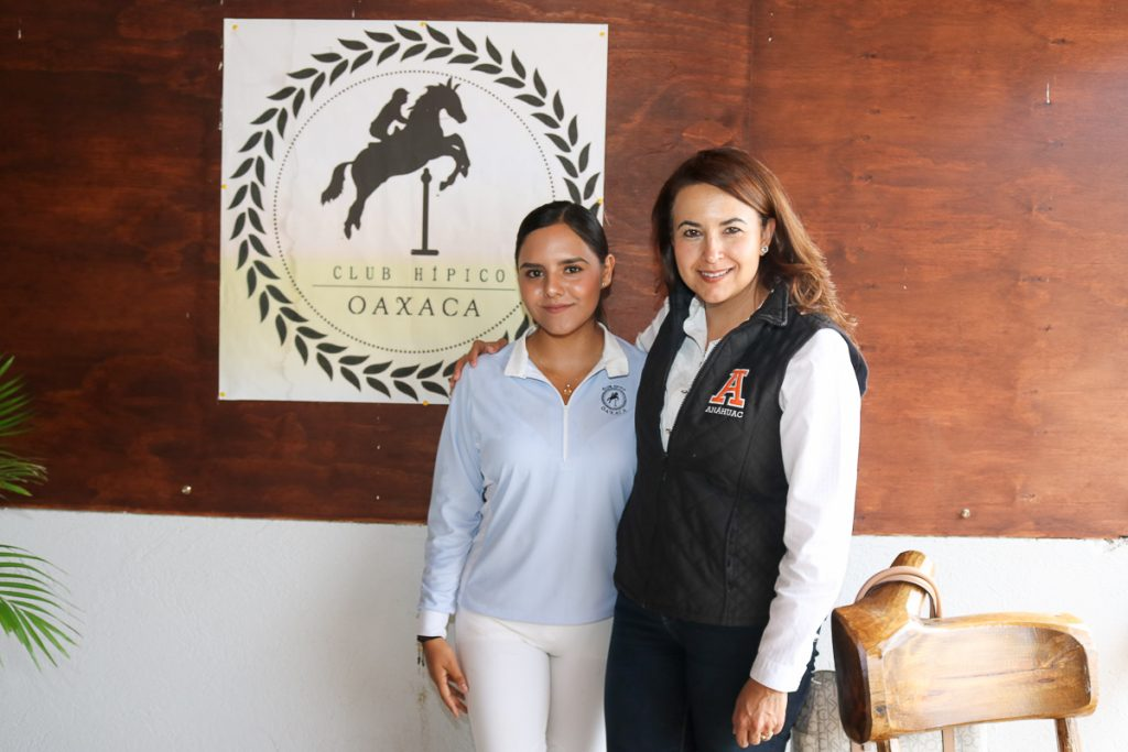 aranza-corzo-y-la-mtra-yoani-rodriguez-villegas-rectora-de-la-universidad-anahuac